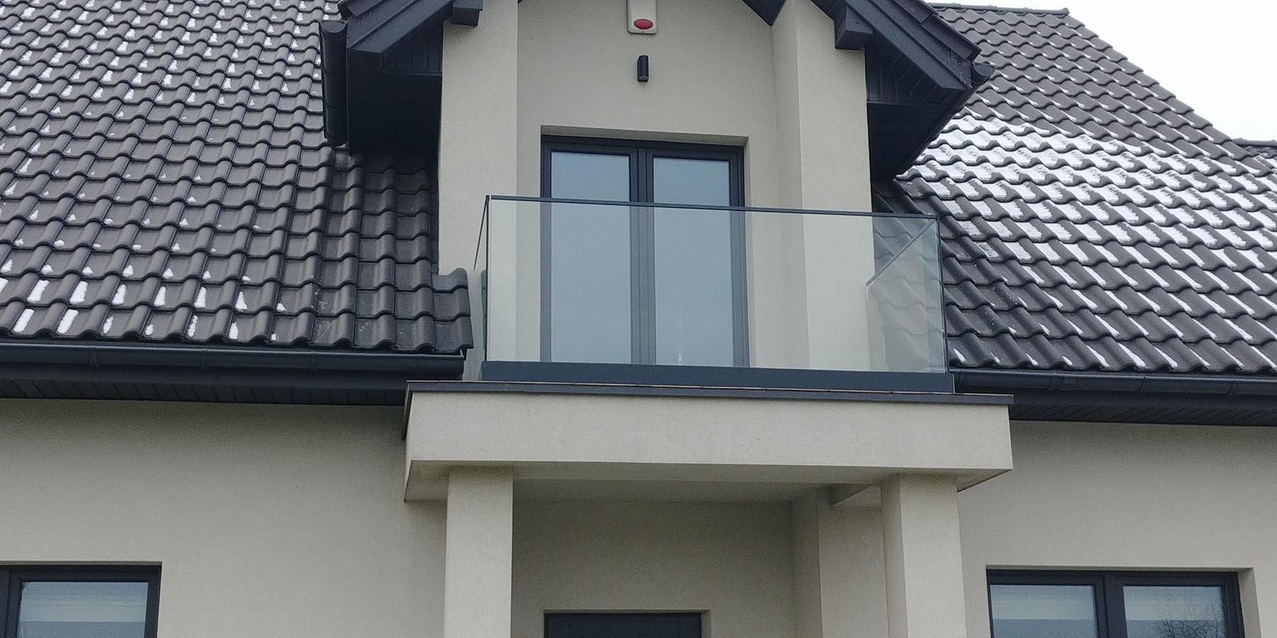 Balustrada montowana w profilu aluminiowym